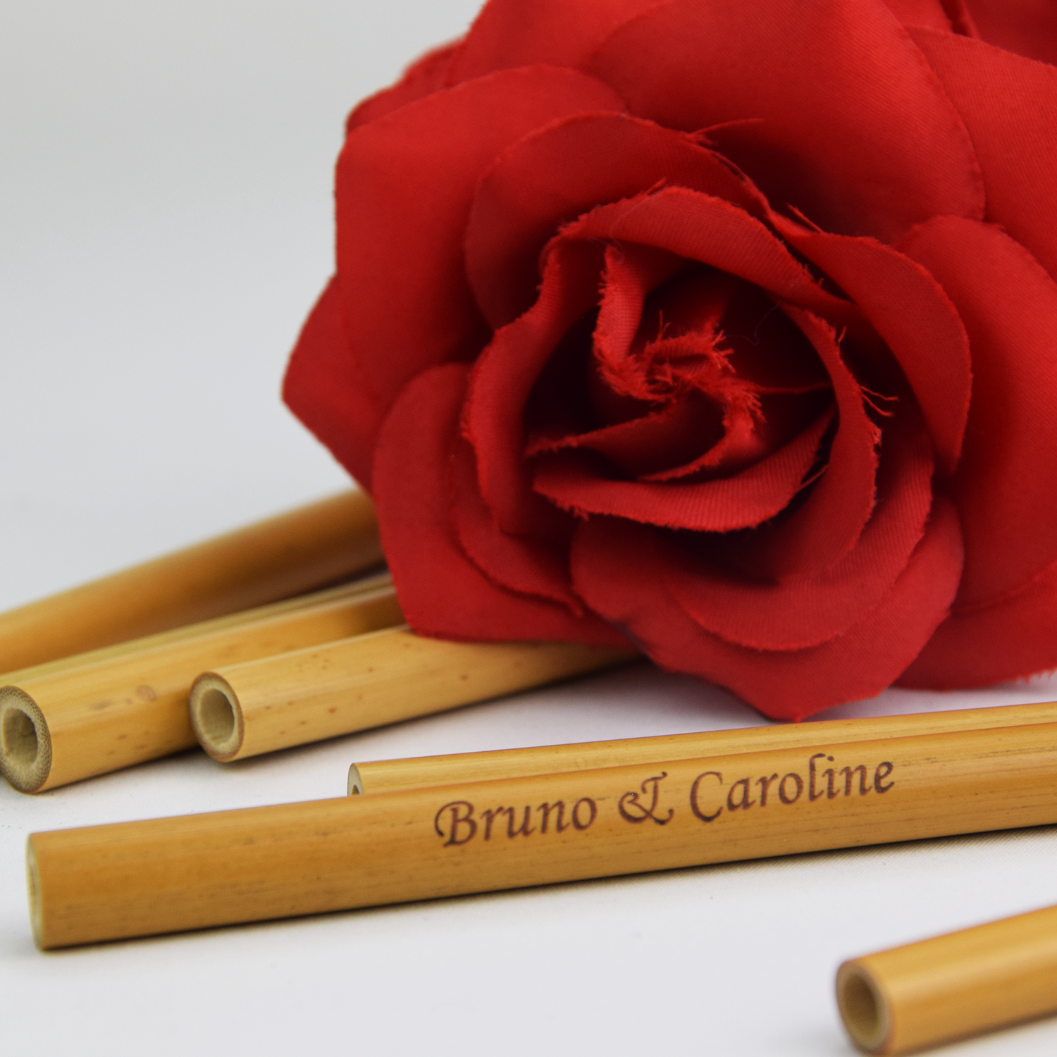 Bruno&Caroline-rose-rouge